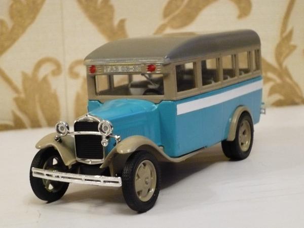 ГАЗ-03-30 (Michalych) [1933г., синий с бежевым, 1:43]