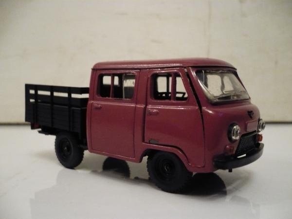 УАЗ-452Д фермер (Агат) [1980г., сиреневый, 1:43]