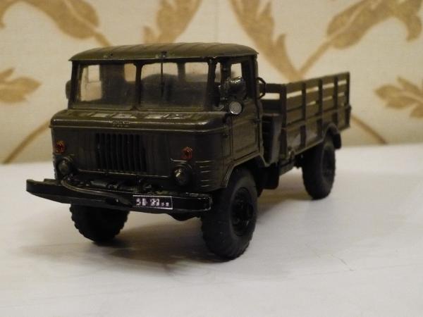 ГАЗ-66 (Русская миниатюра) [1964г., хаки, 1:43]