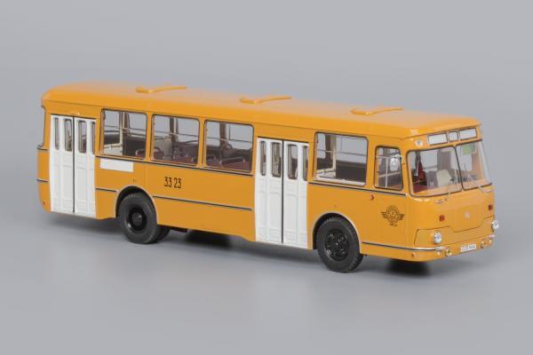 Лиаз-677М (3-й Автобусный парк) (Classicbus) [1983г., охра, белые двери, 1:43]