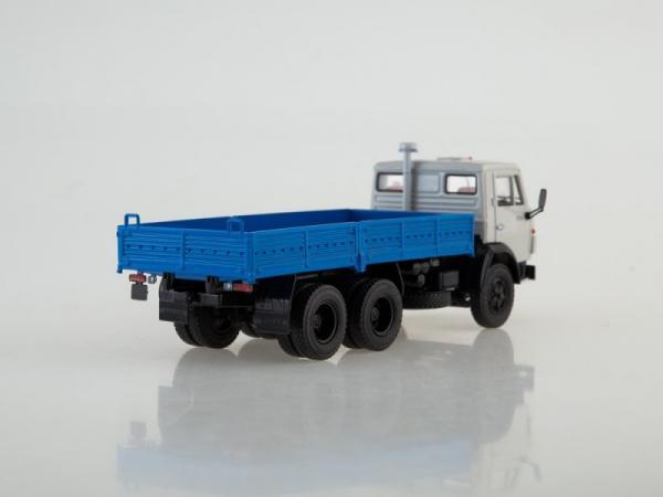 КАМАЗ-5320 (ПАО КАМАЗ) [1976г., белый/голубой, 1:43]