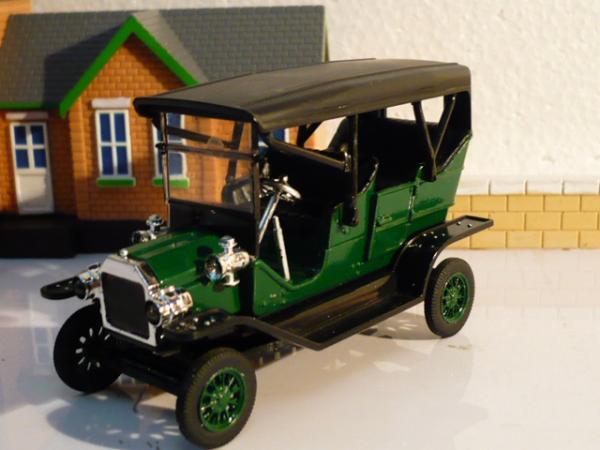 Ford Model-T Touring Car (Michalych) [1908г., зелёный с черным, 1:43]