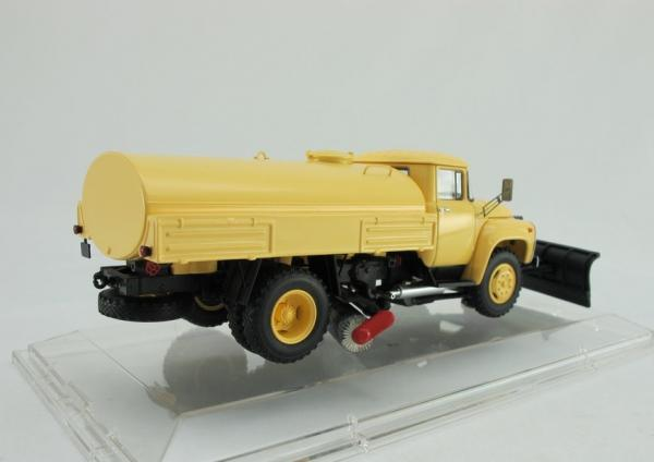 ЗИЛ ПМ-130Б Поливомоечный «Автоэкспорт» (DiP Models) [1977г., желтый, 1:43]