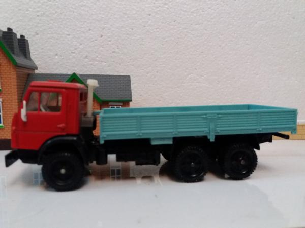 КАМАЗ-5320 (Элекон) [1976г., красный с голубым кузовом, 1:43]