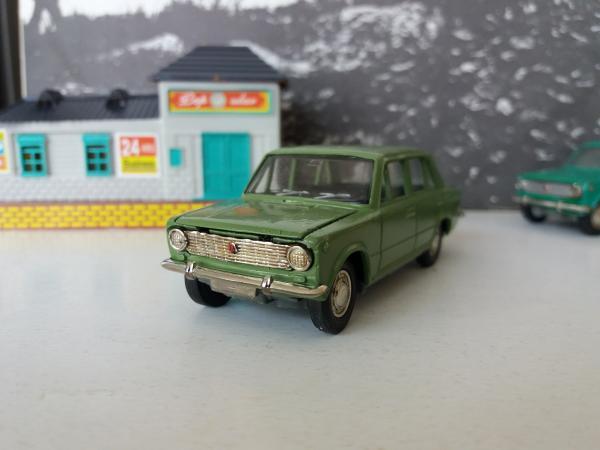 ВАЗ-2101 (Агат, Тантал, Радон) [1970г., зелёный, 1:43]