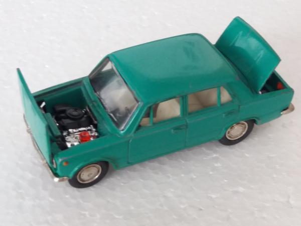 ВАЗ-2101 (Агат, Тантал, Радон) [1970г., бирюзово-зелёный, 1:43]